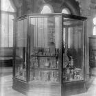 Exhibition photograph - Venetian and Bohemina glass in the standing exhibition of the Museum of Applied Arts